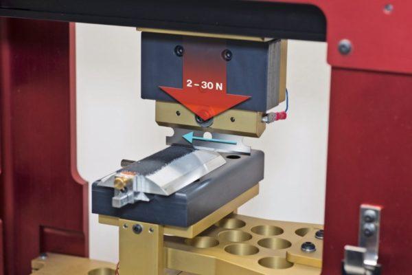 Zariadenie na testovanie odolnosti rukavice proti prerezaniu podľa ISO 13997
